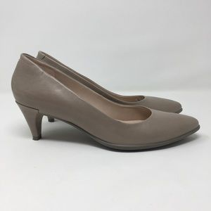 Ecco Stone Beige Low Comfort Pointed Toe Heels 8